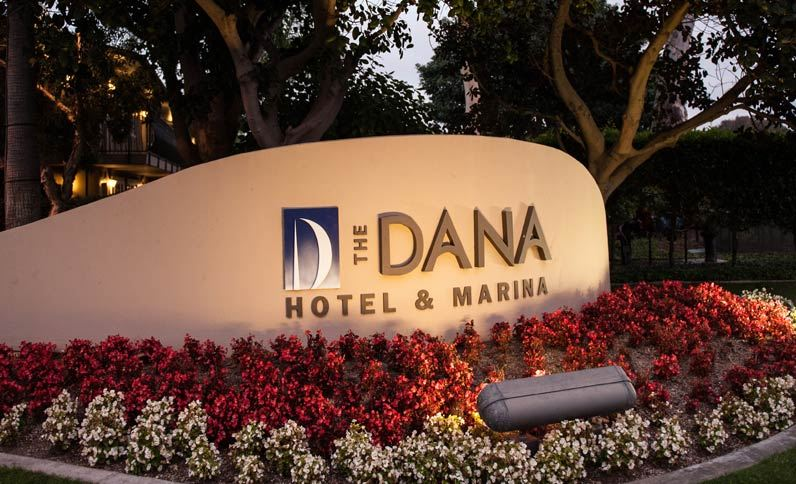 dana-monument-at-night-at-the-dana-on-mission-bay-san-diego
