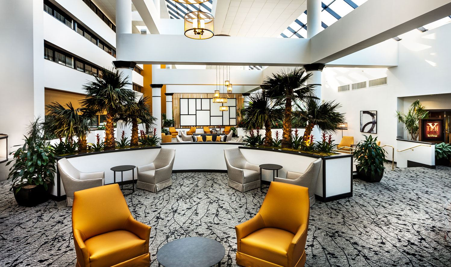 !!!wyndham-houston-west-energy-corridor-atrium