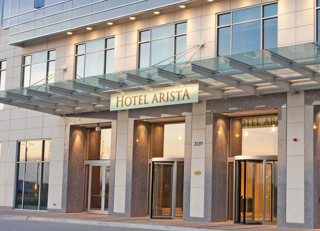 exterior-view-at-hotel-arista-naperville-illinois