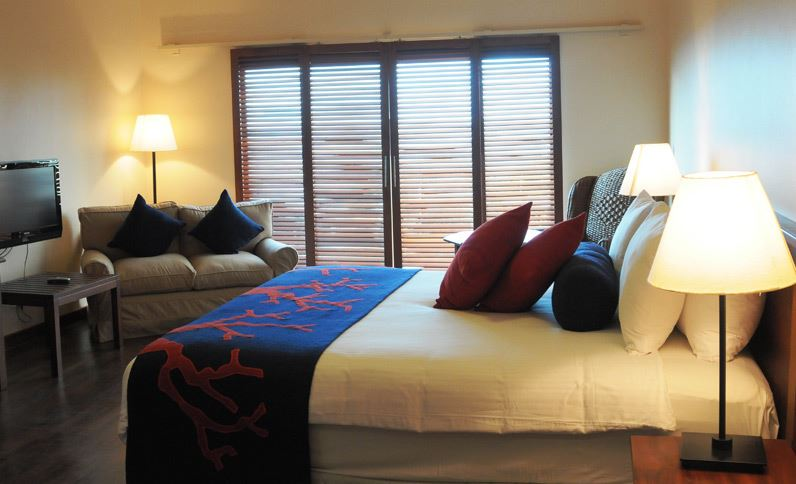 single-bed-at-best-western-coral-beach-hotel-tanzania